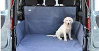 Удобный аксессуар для перевозки домашних животных а автомобиле