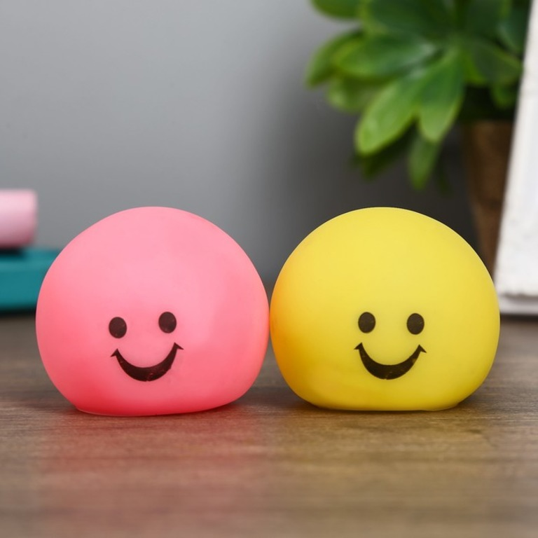 Купить ночник Smile 1Вт RGB 5 х 6 х 6 см