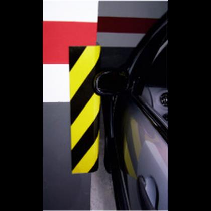 Защитная планка автомобильная угловая
