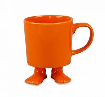 Кружка оранжевого цвета на ножках