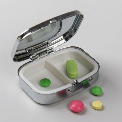 Органайзер для таблеток прямоугольный, 5,5 х 2 х 4 см