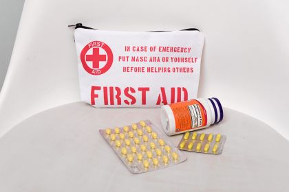 """Косметичка """"First Aid"""", 20 х 14 х 4 см"""