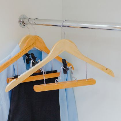 Вешалка с зажимом для юбок и брюк, 44 х 23,5 х 2,5 см