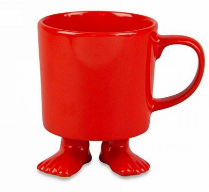 Кружка красного цвета на ножках